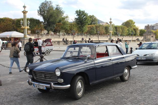 Vintage Paris Tour Peugeot 404 Vintage Paris Tour