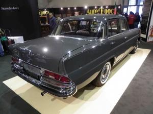 Mercedes 220SE W111