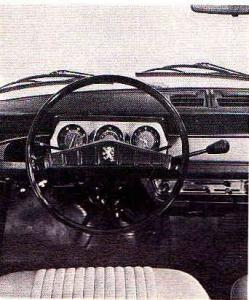 Peugeot 204 tableau de bord