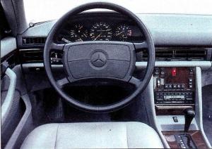 Mercedes 560 SEC intérieur