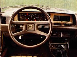 Peugeot 604 tableau de bord