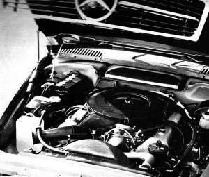 Mercedes 350 SLC moteur