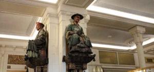 Les statuettes des deux magots