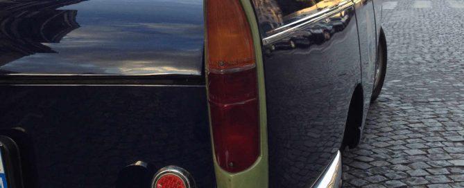 Peugeot 404 fetes des peres cadeau