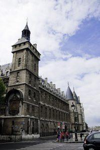 La Conciergerie avec la tour de l'horloge