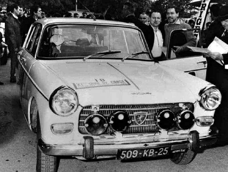 Peugeot 404 en rallye