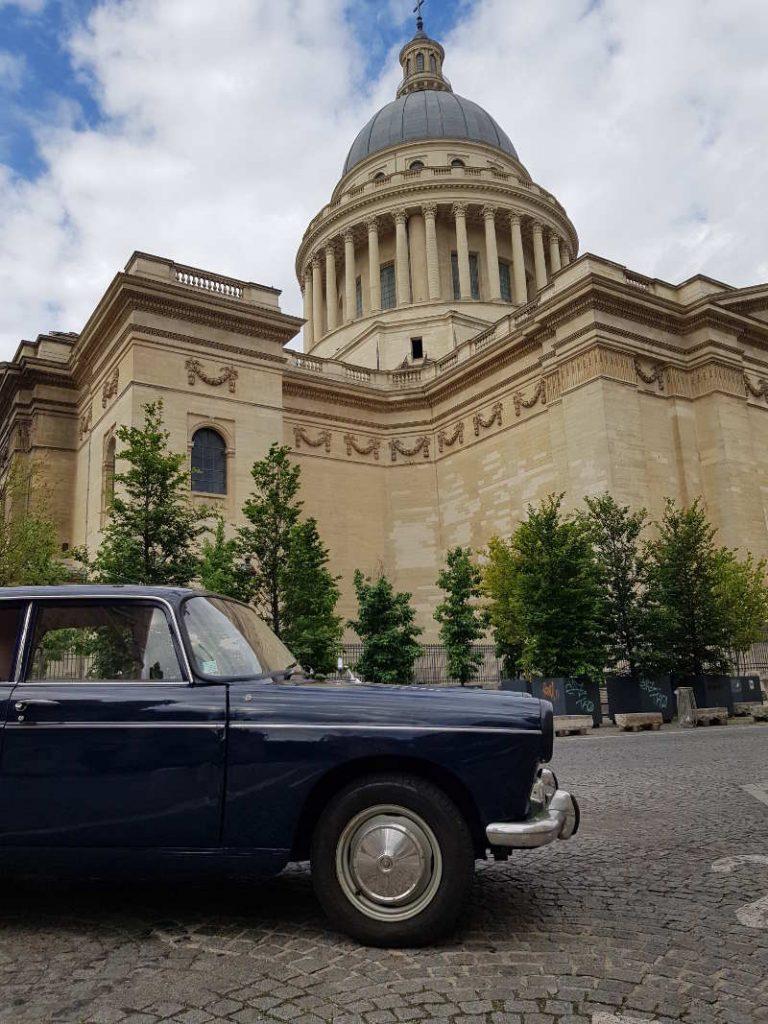 Peugeot 404 quartier latin