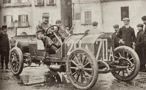 Vincenzo Lancia au volant Fiat 1907