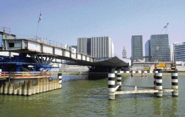 construction pont charles de gaulle