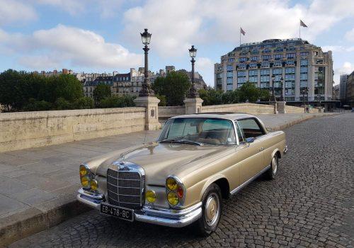 Mercedes W111 coupe Paris